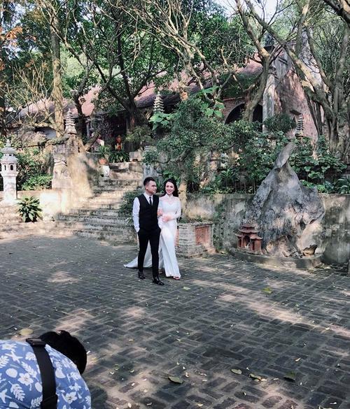 Hé lộ hậu trường chụp ảnh cưới của Khắc Việt và bạn gái DJ
