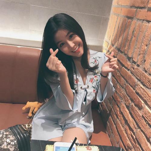 Nữ sinh Sài Gòn từng nổi tiếng với vòng 1 gợi cảm bất ngờ được báo Hàn hết lời khen ngợi - ảnh 12