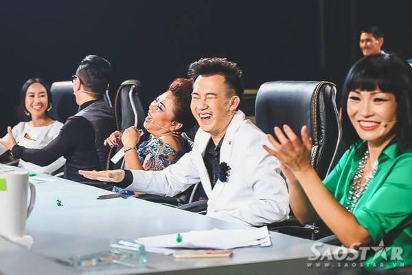Các giám khảo liên tục bất ngờ với phần trình diễn của các thí sinh.
