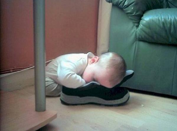 Mình hi vọng cái giày nên là hàng mới mua về.