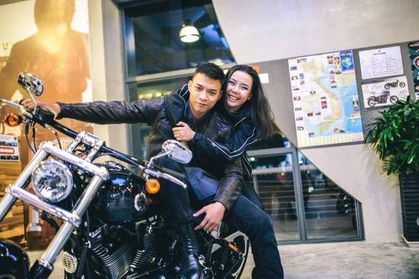 Chàng siêu mẫu đang hạnh phúc với mối tình 8 năm cùng bạn gái cùng quê- cùng nghề Lại Thanh Hương.