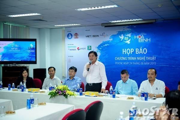 """an tổ chức """"Tuổi trẻ Việt Nam - Câu chuyện hòa bình"""" trong buổi họp báo giới thiệu chương trình."""