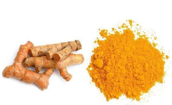 Sử dụng bột nghệ là một phương pháp tự nhiên để giảm đau lưng, là một gia vị bổ dưỡng để kết hợp với thức ăn. Trong bột nghệ có chứa những chất chống viêm, hiệu quả trong việc giảm đau.