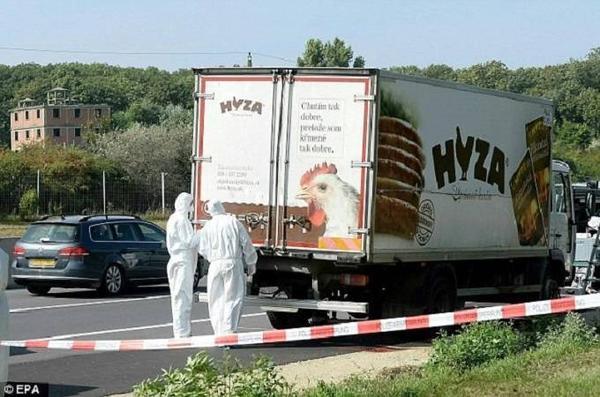 """Hồi tháng trước, nhà chức trách Áo tìm thấy thi thể của khoảng 71 người nhập cư chết ngạt trong thùng chiếc xe đông lạnh bị bỏ lại ven đường sau khi phát hiện """"mùi khủng khiếp"""" bốc ra."""