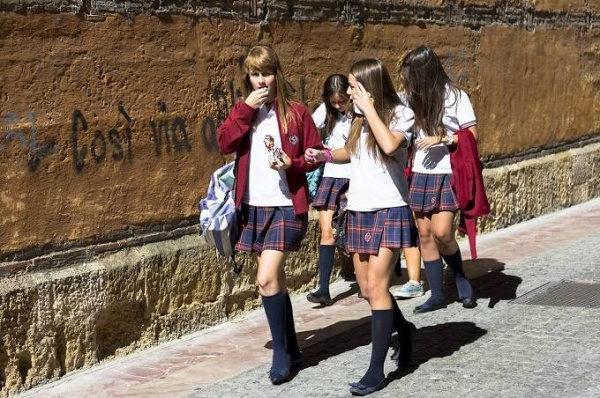 08school_uniforms_around_the_world