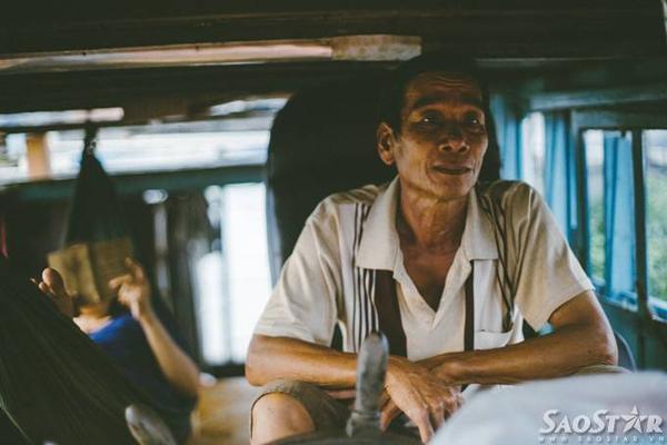 Ông Nguyễn Văn Khôn đã có hơn 30 năm trong nghề đi ghe.