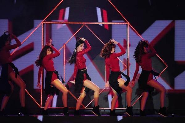 dong-nhi-the-remix-bao-tin-nhanh-03