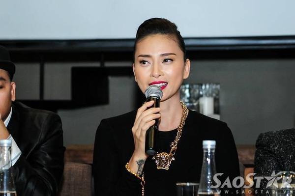 Ngô Thanh Vân phát biểu trong sự kiện.