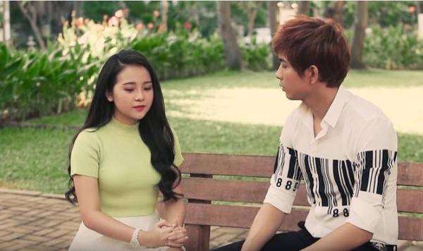 Tam Triều Dâng vào vai cô em gái luôn sát cánh bên người chị bị bệnh.