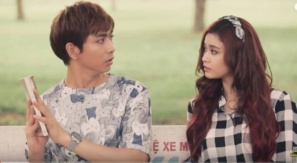 Tim và Trương Quỳnh Anh có một tình yêu sét đánh khi bất ngờ gặp ngoài công viên.
