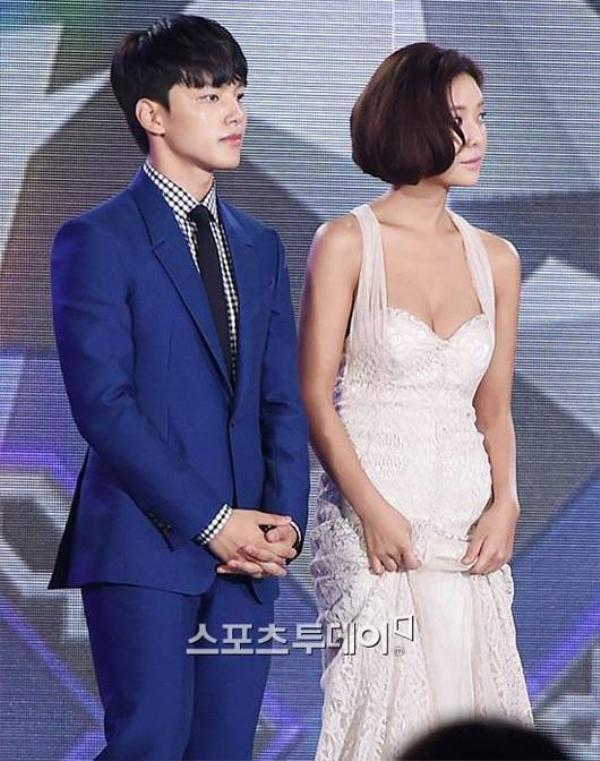 Hwang Jung Eum và Yeo Jin Goo đều là những ngôi sao quen thuộc trên màn ảnh nhỏ và nhận được nhiều giải thưởng ghi nhận diễn xuất của họ.
