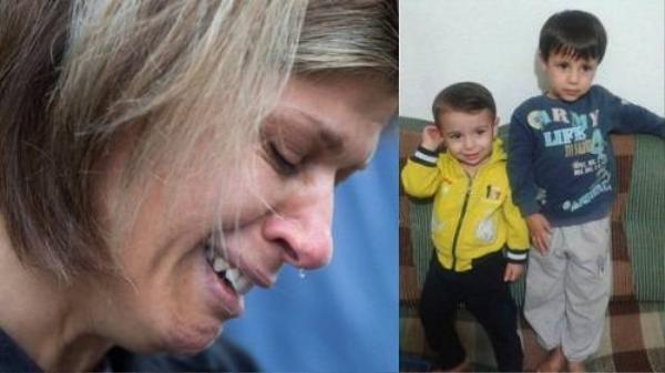 Người bác ân hận trước cái chết của bé trai Syria bên bờ biển.