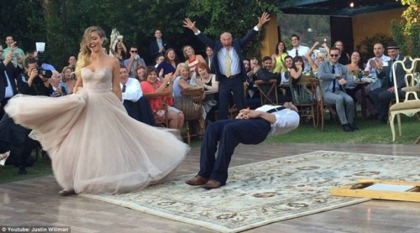 Màn trình diễn bỏ bùa chú rể của cô dâu