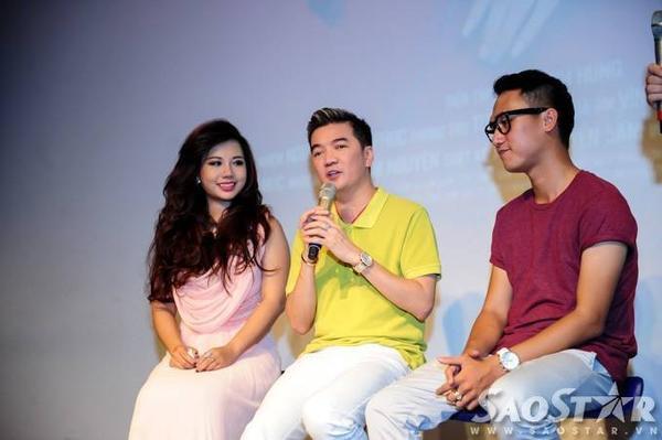 Mr. Đàm và đạo diễn Chung Nguyễn cùng lên sân khấu chia sẻ về sản phẩm âm nhạc đầu tay của Phượng Vũ.