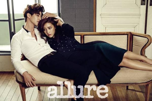"""Tham gia show truyền hình thực tế We Got Married, nàng """"Cháo"""" Kim So Eun đóng cặp với diễn viên Song Jae Rim. """"Cặp đôi"""" thể hiện sự ăn ý trên ấn phẩm Allure."""