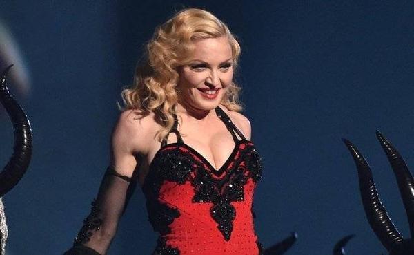 Madonna được biết đến là ngôi sao cầu toàn, luôn yêu cầu khắt khe ở những nơi biểu diễn.