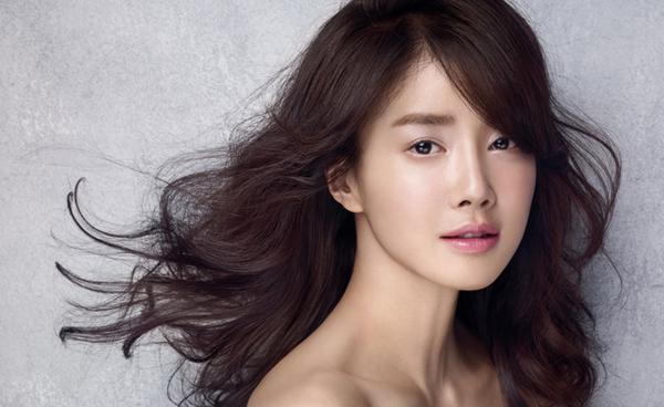 Tay đấm xinh đẹp Lee Si Young.