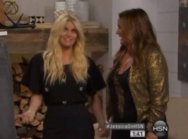 Nữ ca sĩ bị nghi say xỉn khi tham gia một chương trình truyền hình.
