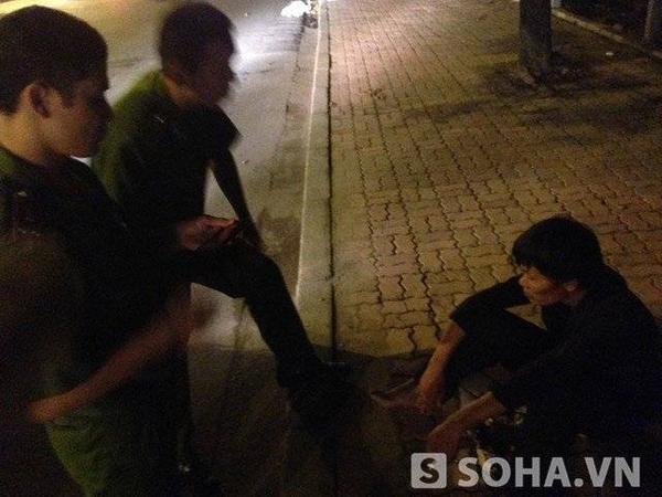 Thanh niên chân hoại tử cho biết, anh nghiện hút và giờ nhiễm HiV