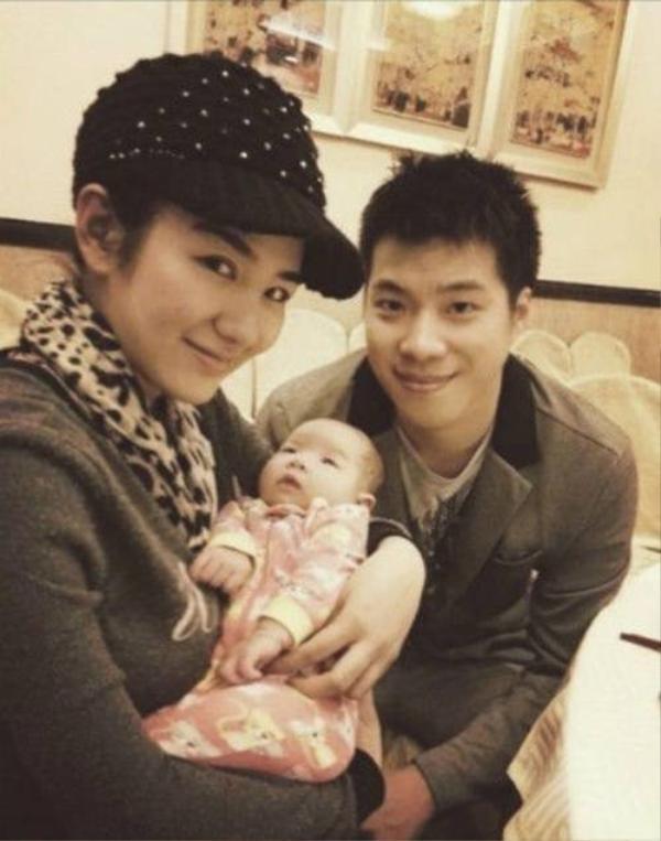 Vợ chồng Huỳnh Dịch - Hoàng Nghị Thanh tranh cãi sau ly hôn.