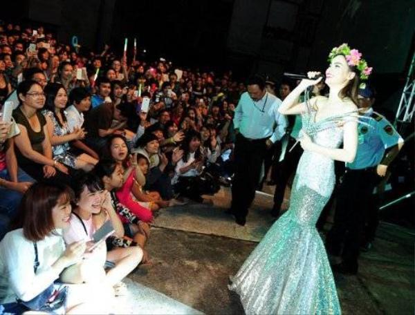 """Hồ Ngọc Hà là """"Nữ hoàng"""" của rất nhiều người hâm mộ."""