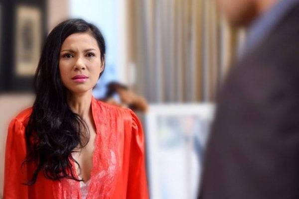 Việt Trinh có nhiều cảnh khóc trong phim khiến cô ám ảnh.