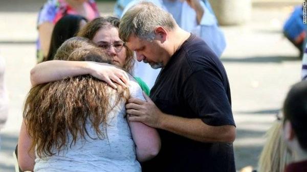 Các sinh viên đều cảm thấy shock sau vụ tấn công và may mắn được trở về với gia đình.