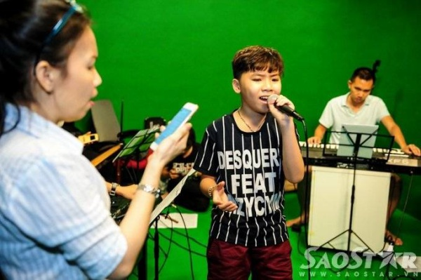 saostar - Cong Quoc - The voice Kids (10)