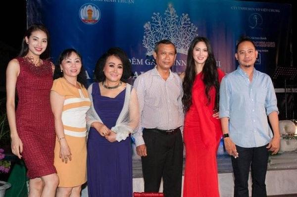 Phạm Hương đồng hành cùng Võ Việt Chung trong cuộc thi Hoa hậu Đại Dương vào  tháng 5/2014
