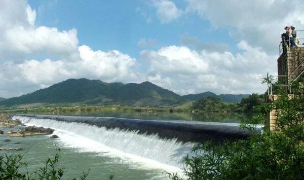 Đập Đồng Cam (huyện Phú Hòa).