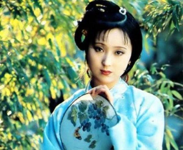 Trần Hiểu Húc đẹp như sương khói với vai Lâm Đại Ngọc.