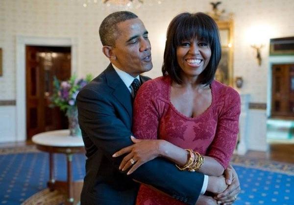Tổng thống Obama hát mừng sinh nhật vợ tại Nhà Trắng.