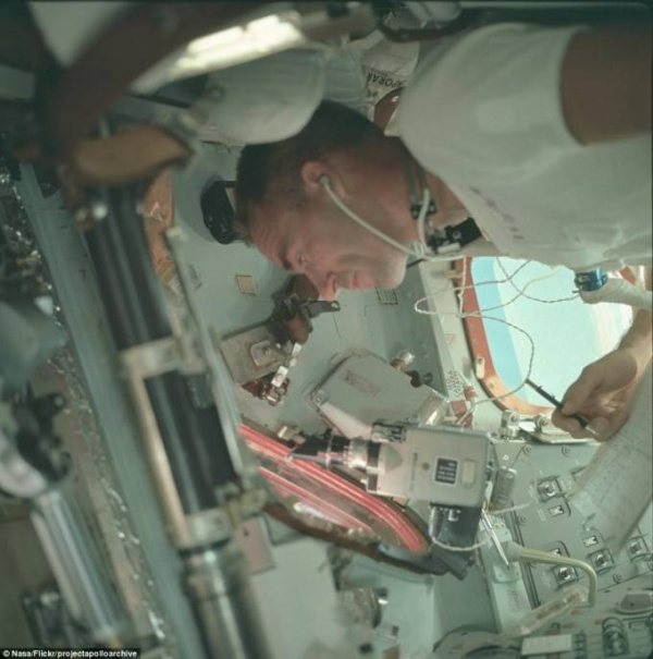 2D2A4C0E00000578-3263157-The_crew_of_Apollo_7_including_R_Walter_Cunningham_pictured_tran-a-62_1444220676471
