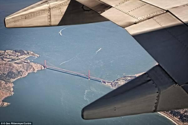 Cầu Cổng Vàng biểu tượng của San Francisco, Mỹ.
