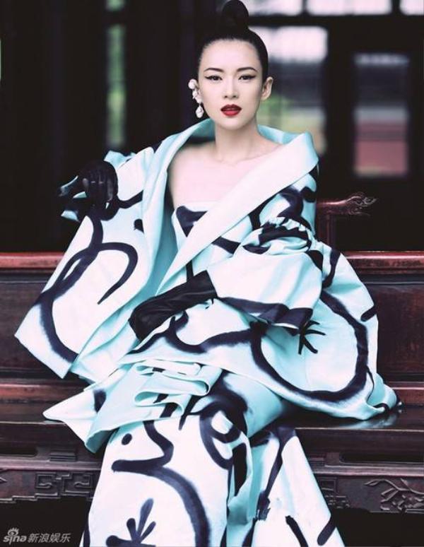 Cũng như Củng Lợi, Chương Tử Di được đánh giá là nữ diễn viên nổi tiếng hiếm hoi của châu Á được các nhà làm phim Hollywood mời mọc.