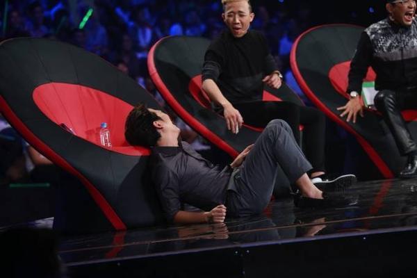 3 - Lam Vinh Hai thu suc hat cai luong 11
