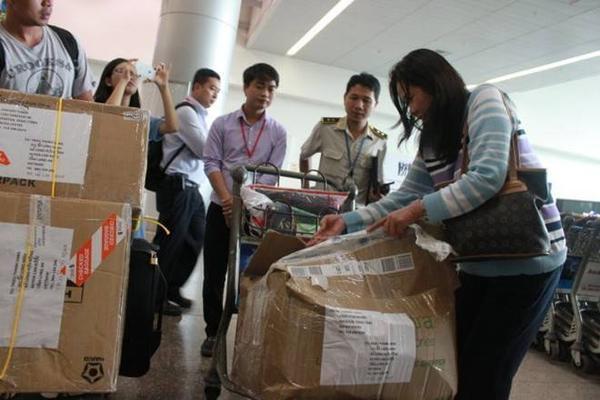 Ngày 11/6, tại sân bay Tân Sơn Nhất ghi nhận trường hợp hành lý khách hàng bị rạch, không nguyên vẹn trước khi đến sân bay.