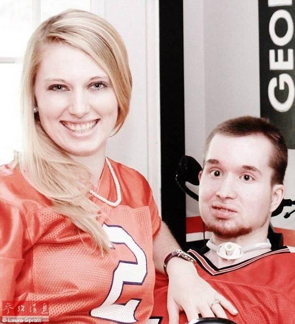 Joel và Lauren lần đầu gặp nhau vào năm cả hai mới 14 tuổi.