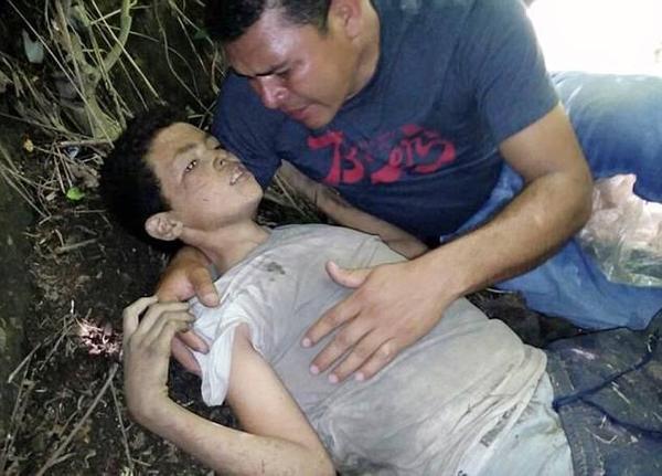 Cậu bé Angel không chịu nghe lệnh giết một tài xế vô tội nên đã bị xã hội đen ném xuống sông.