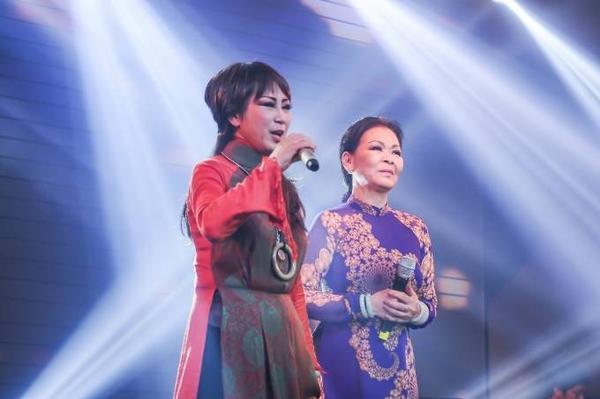 """""""Nữ hoàng chân đất"""" Khánh Ly trở lại song ca cùng người em,người bạn của mình trong Tình khúc cho em."""