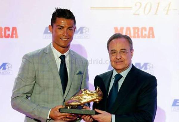 Ronaldo trong buổi trao giải chiếc giày vàng lần thứ 4.