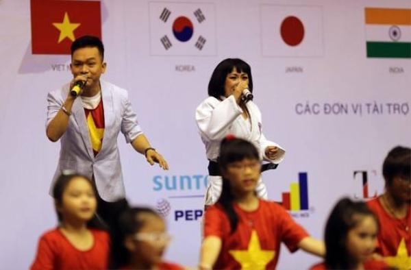 Đại sứ Judo, ca sĩ Phương Thanh hoà cùng ngày khai mạc
