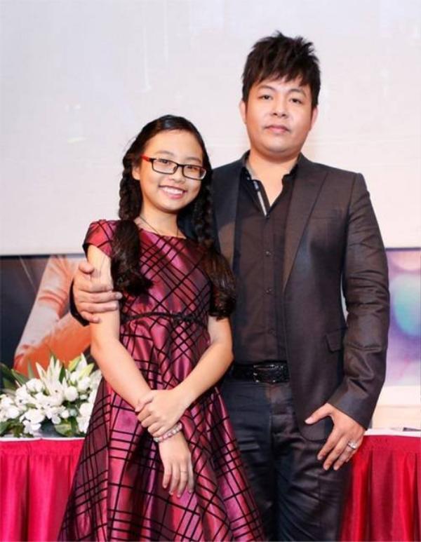 """""""chị Bảy"""" và cha nuôi Quang Lê."""