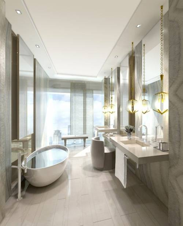 Phòng vệ sinh được lát đá đắt tiền và nội thất cao cấp.