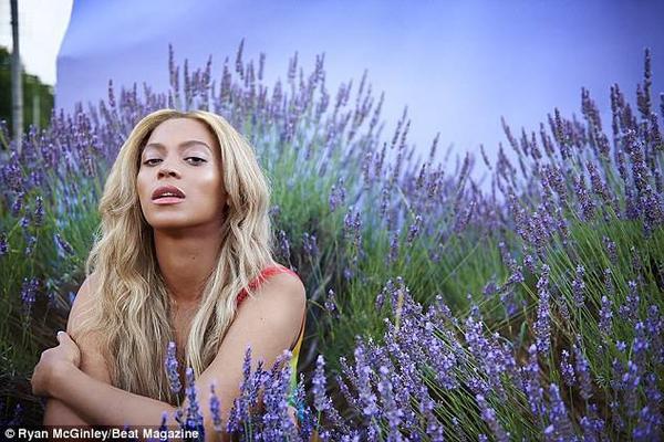 Cuối tuần qua, Beyonce và nữ rapper Nicki Minaj dành 5 tiếng đồng hồ luyện tập cho buổi diễn từ thiện sắp tới.