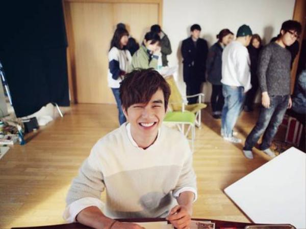 park-min-young-yoo-seung-ho-01