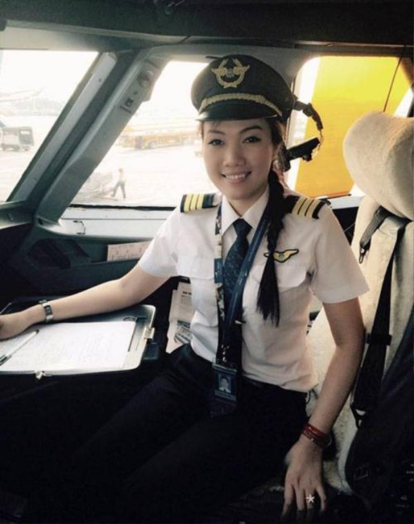 Nữ cơ phó của Vietnam Airlines Hà Thị Diệu Hiền (Ảnh nhân vật cung cấp).