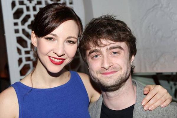 Cặp đôi phim giả tình thật  Daniel Radcliffe - Erin Darke.