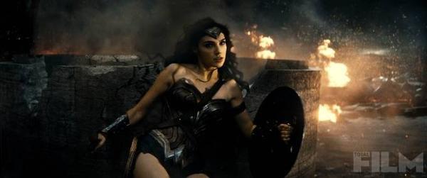 batman-v-superman-wonder-woman-gadot