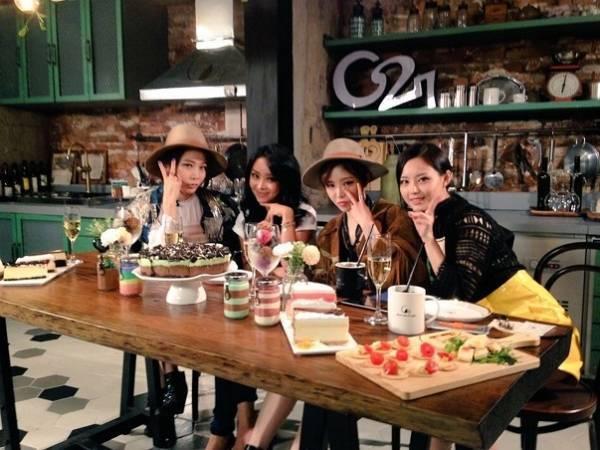 Brown Eyed Girls trong buổi giao lưu với fan.